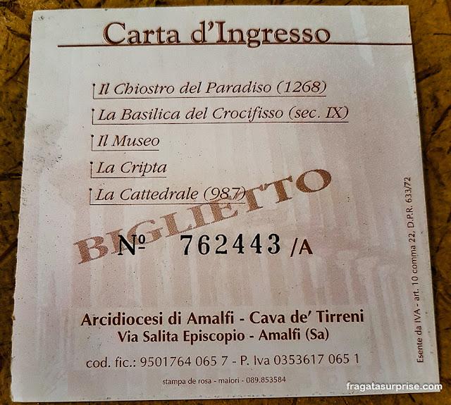 Ingresso para a Catedral de Amalfi, Itália