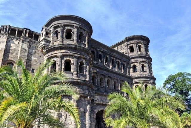 Day trips from Luxembourg City: Visit Porta Nigra in Trier Germany