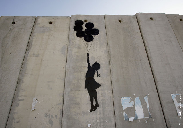 The World of Banksy Art : Banksy Graffiti in Palestine