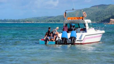 Motorboot auf den Seychellen