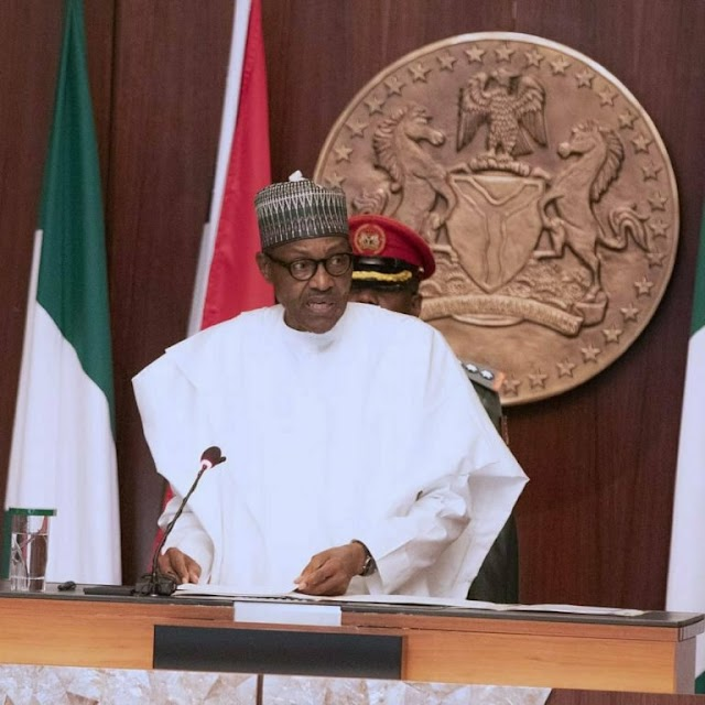 Buhari sacks Service Chiefs, appoints new ones