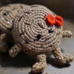 https://furlscrochet.com/blogs/amigurumi-crochet-tutorials/august-amigurumi-sweet-treats-cal-part-1-cookie-pattern
