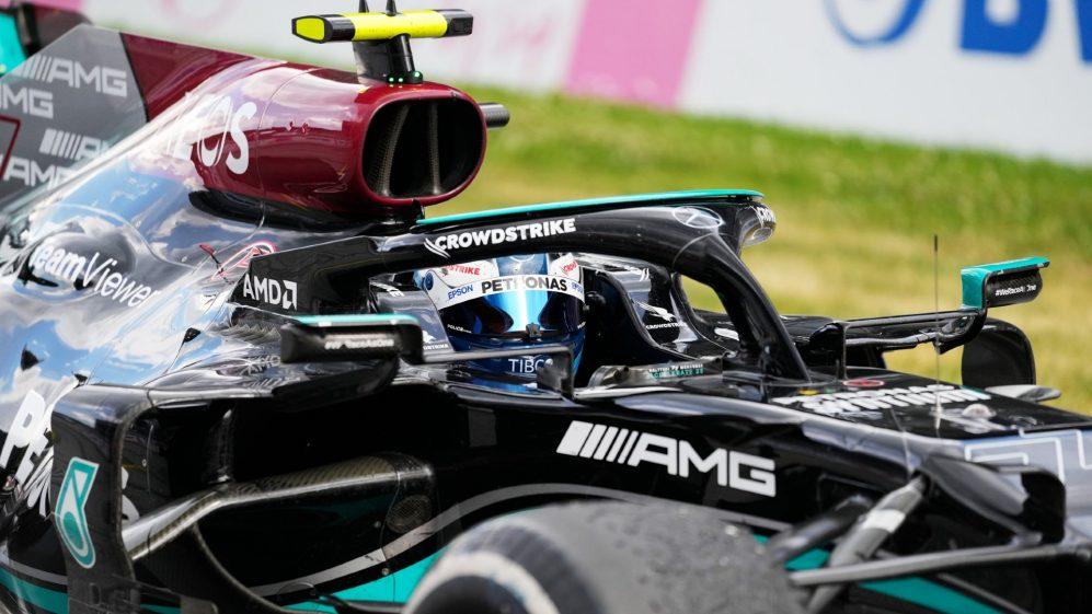 Bottas admite que teve que 'dirigir' para segurar Perez e chegar ao pódio final com pneus envelhecidos