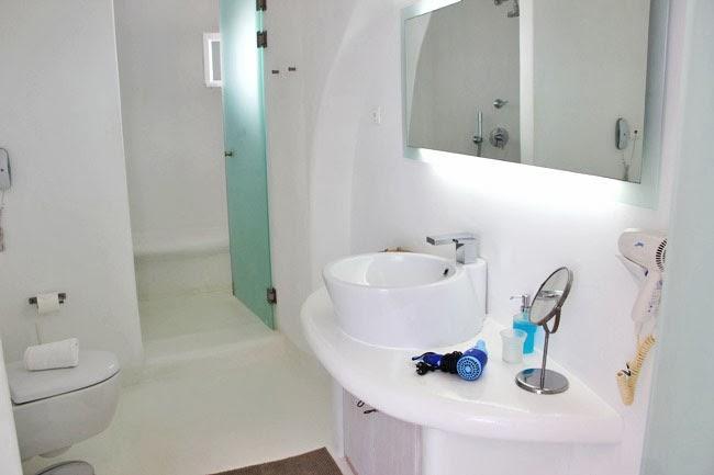 Rocabella Hotel Honeymoon suite bathroom
