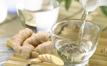 rượu gừng giúp giảm béo vòng eo