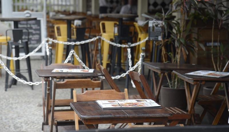 Novo decreto do governo deve permitir funcionamento de bares e restaurantes até 21h - Portal Spy