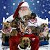 O Άγιος Βασίλης με τους βοηθούς του...