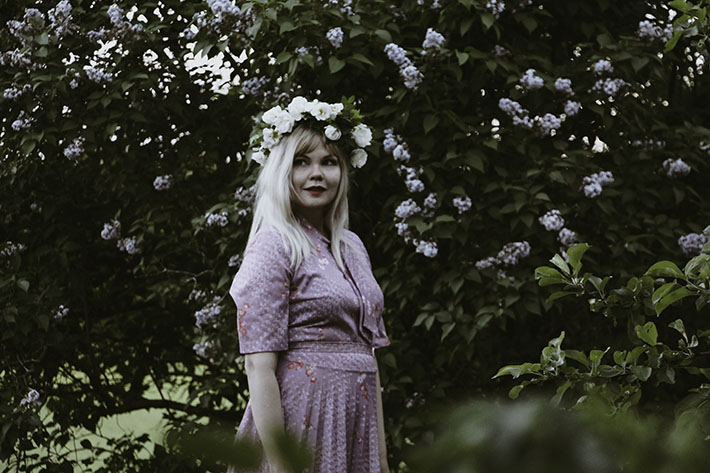 Julia tirkkonen, valokuvaus, juhannusruusu