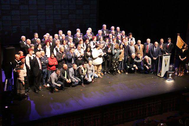 Foto final de la gala del centenario del Barakaldo Club de Fútbol