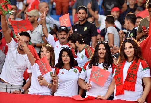 الجهوية 24 - الطّرافة تطبع تعليقات المغاربة على القُرعة.. الانتقَام من المُستعمرين السّابقين وكوَارث جوّية للتأهّل!