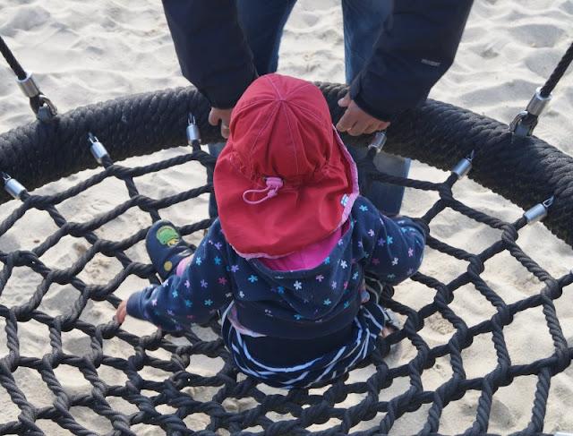Die Welt von ganz oben: Der Leuchtturm von Nr. Lyngvig. Es gibt auch einen tollen Spielplatz für Kinder!