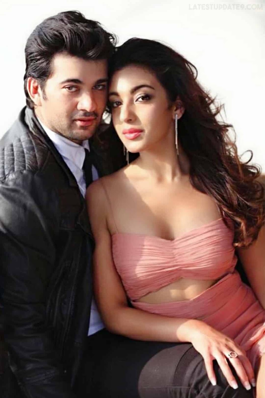 pal pal dil ke paas movie wallpapers, pics, karan deol & sahher bambba romantic pics
