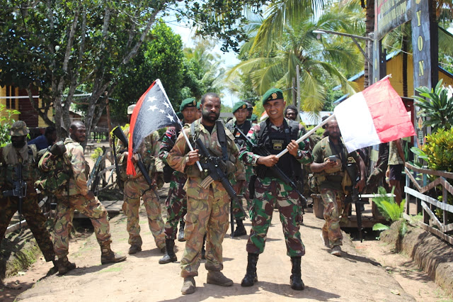 TNI AD dan PNGDF Gelar Patroli Patok Bersama di Perbatasan RI-PNG