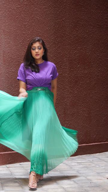 long skirt styling , styling a long skirt , pleated skirt