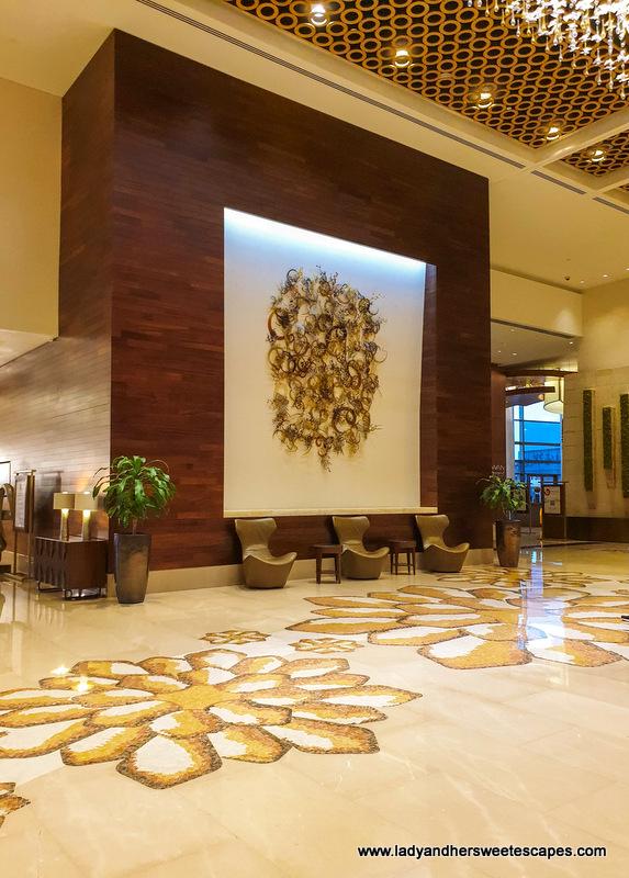 Swissotel Al Ghurair hotel lobby
