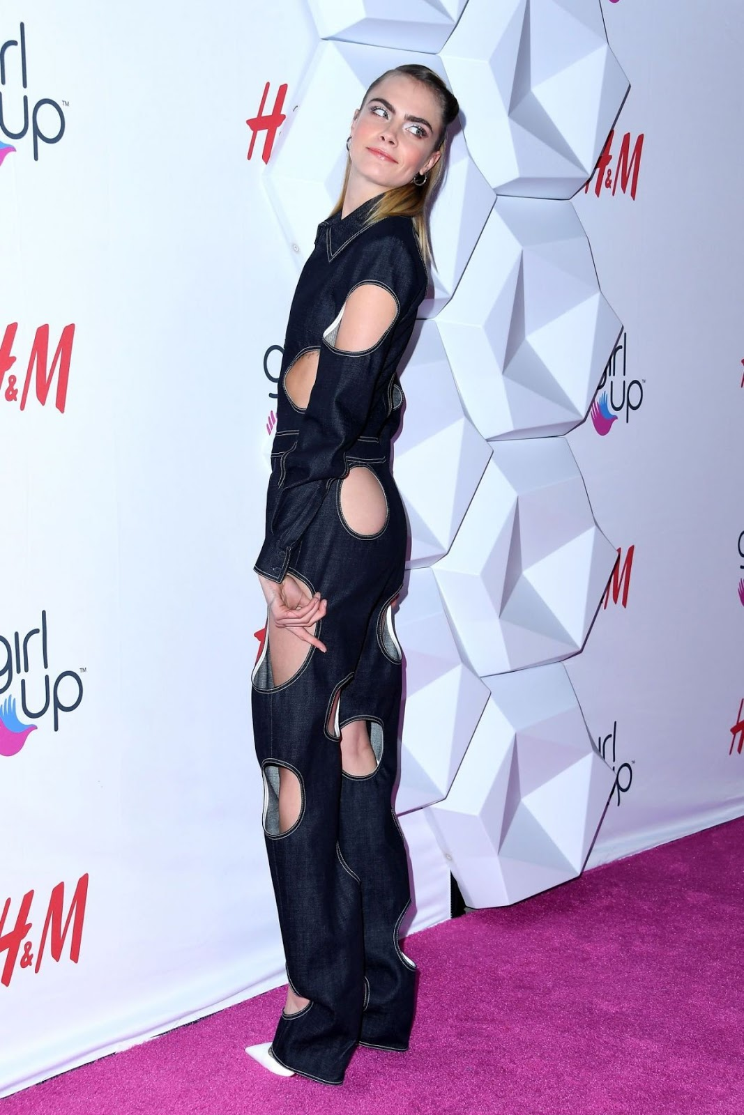 Cara Delevingne – 2019 Girl Up #GirlHero Awards in Beverly Hills