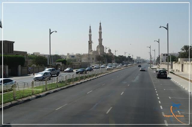 As mesquitas estão em toda a parte em Dubai