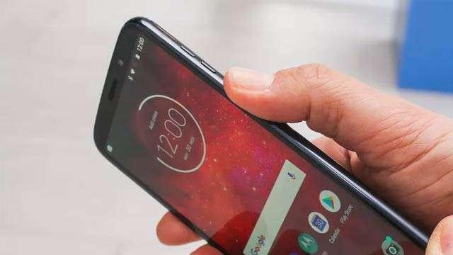 Lenovo Resmi Kenalkan Moto Z3 Sebagai Ponsel 5G Pertama di Dunia