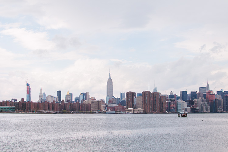 east river, manhattan, brooklyn, manhattan skyline, east river state park, smorgasburg, amorgasburg brooklyn