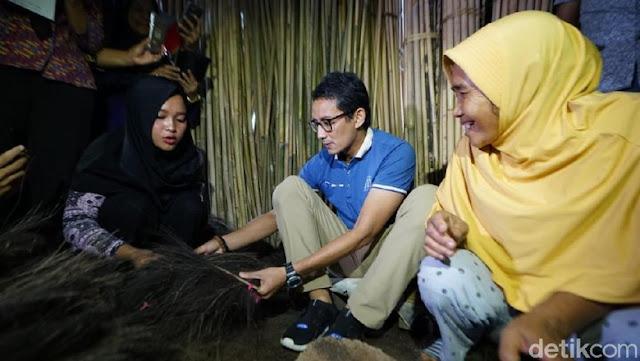 Bikin Sapu di Temanggung, Sandi: Buat Bersihkan Kotoran di Negara Ini