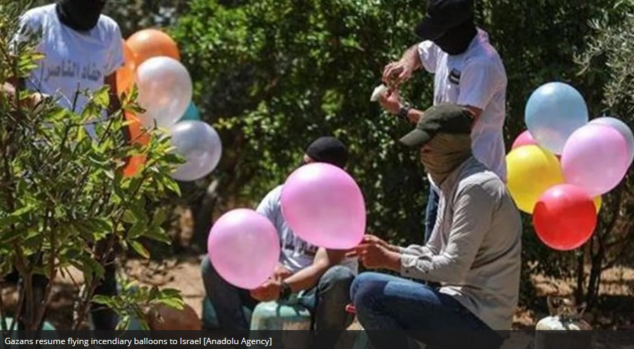 balon pembakar gaza palestina