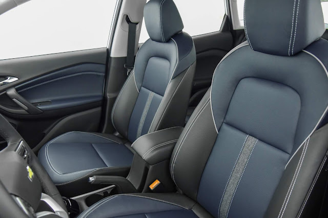 Novo Chevrolet Tracker 2021 - interior - bancos dianteiros
