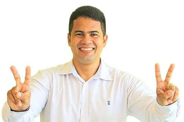 ROSÁRIO: Justiça determina o retorno imediato de Calvet Filho ao cargo de prefeito