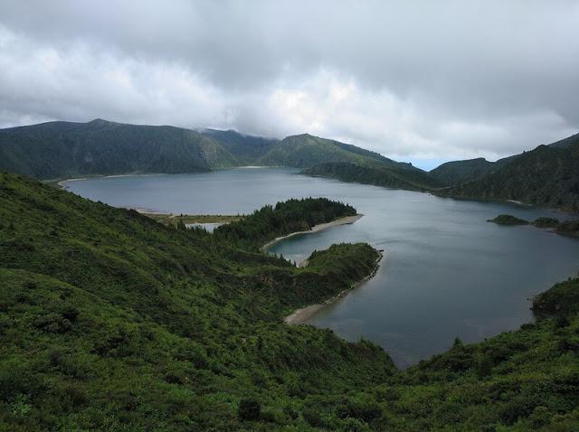 Lagoa do Fogo desde el Miradouro de Lagoa do Fogo
