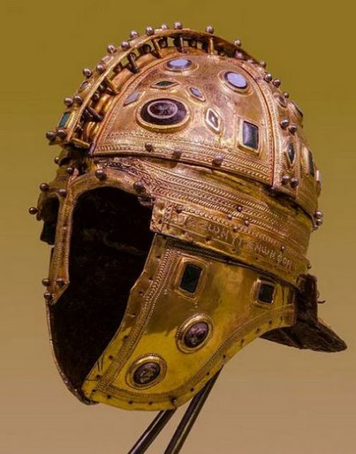 5 Unique Ancient Helmets, of which many have not heard