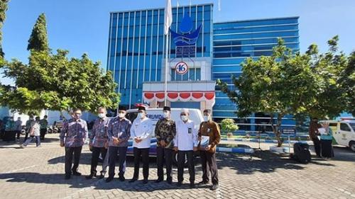 Perumda Air Minum Kota Padang Sumbangkan 1 Unit Ambulance untuk Baznas
