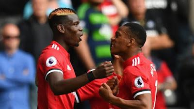 Manchester United thrash Swansea 4-0