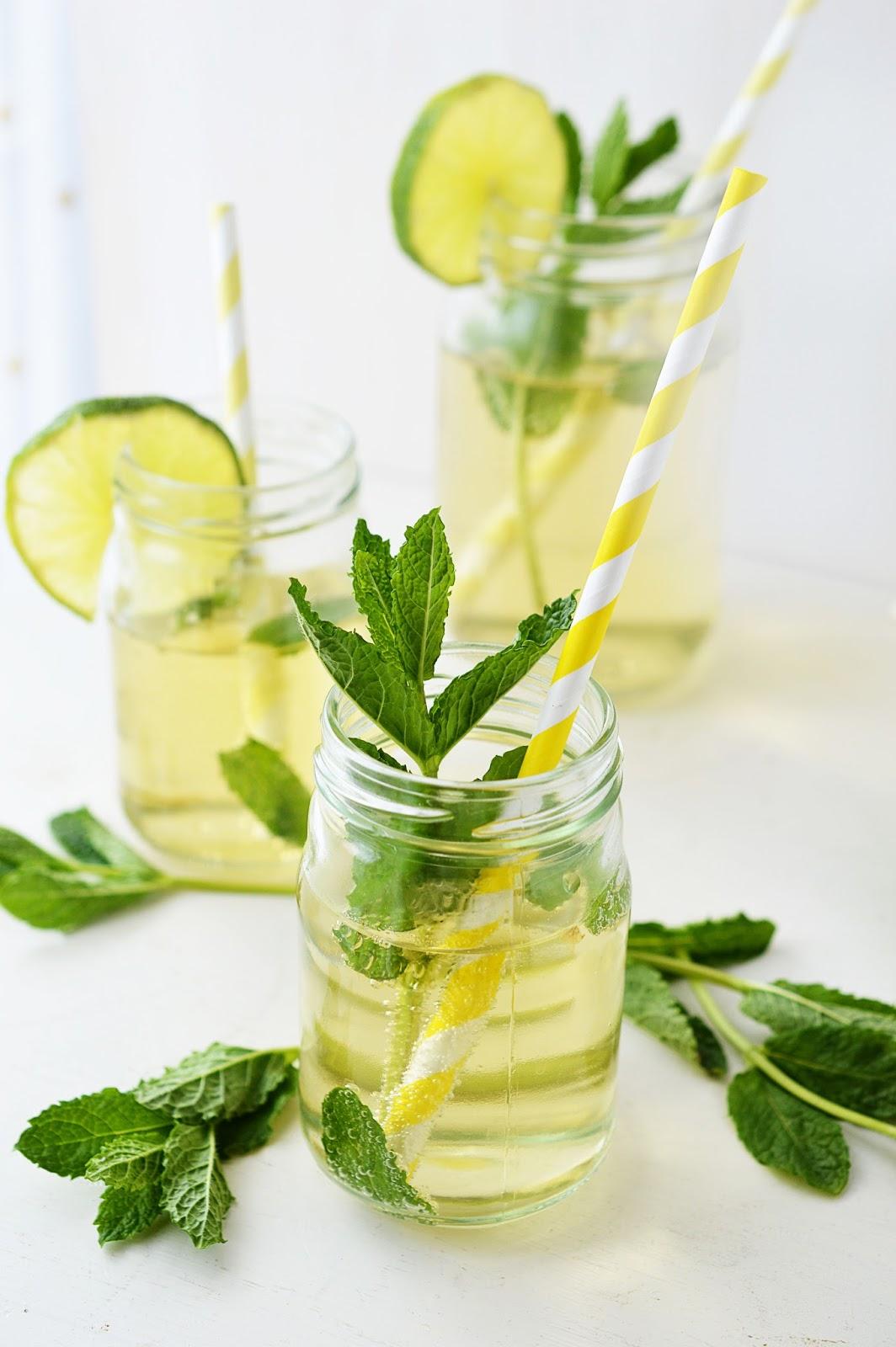 Summer Cocktail Recipe The Hugo | Motte's Blog