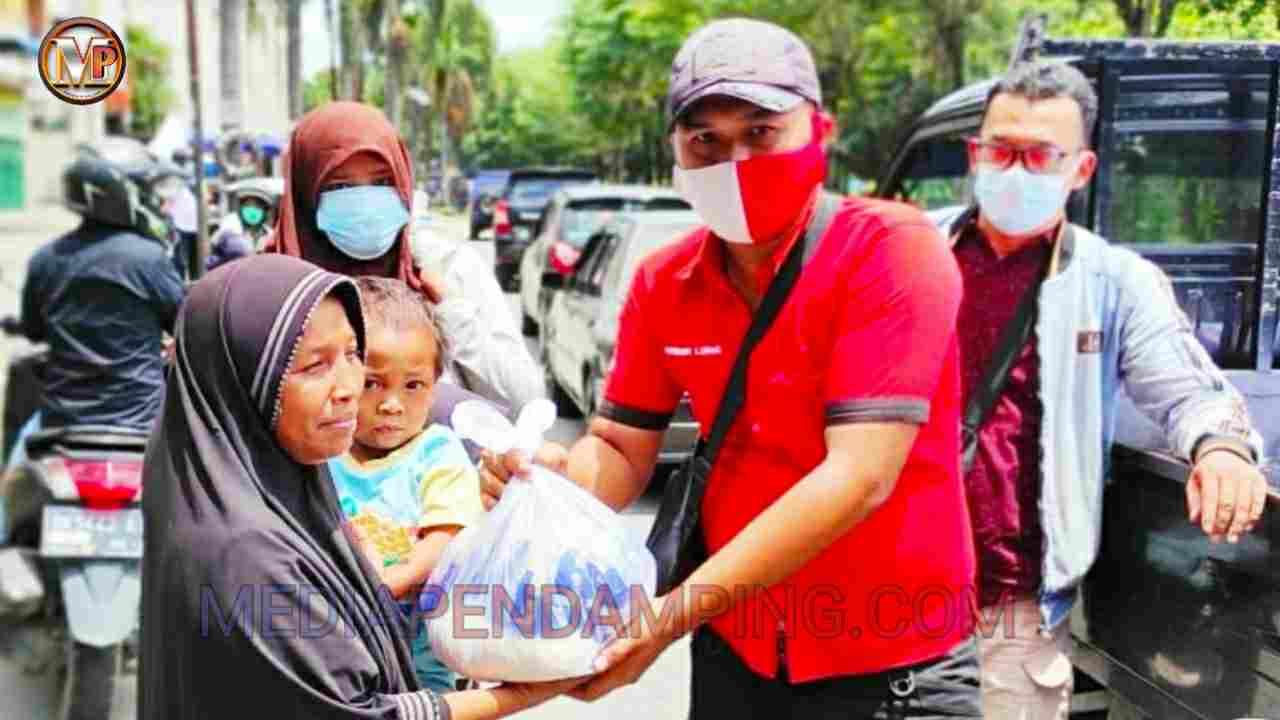 Sambut HUT RI Ke-76, KOPINDO Kodam I/BB Bagikan Paket Sembako Kepada Warga Kurang Mampu