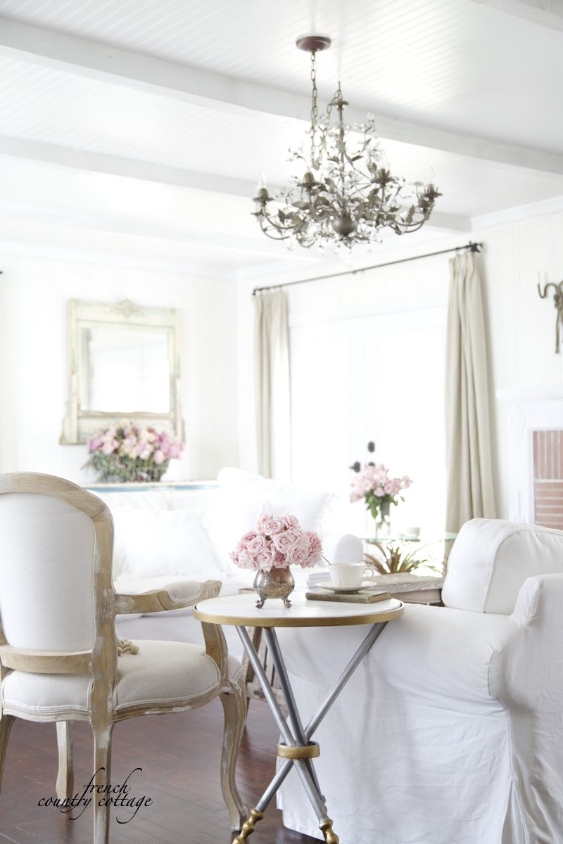 romancing the home peek at a new rug french country cottage. Black Bedroom Furniture Sets. Home Design Ideas