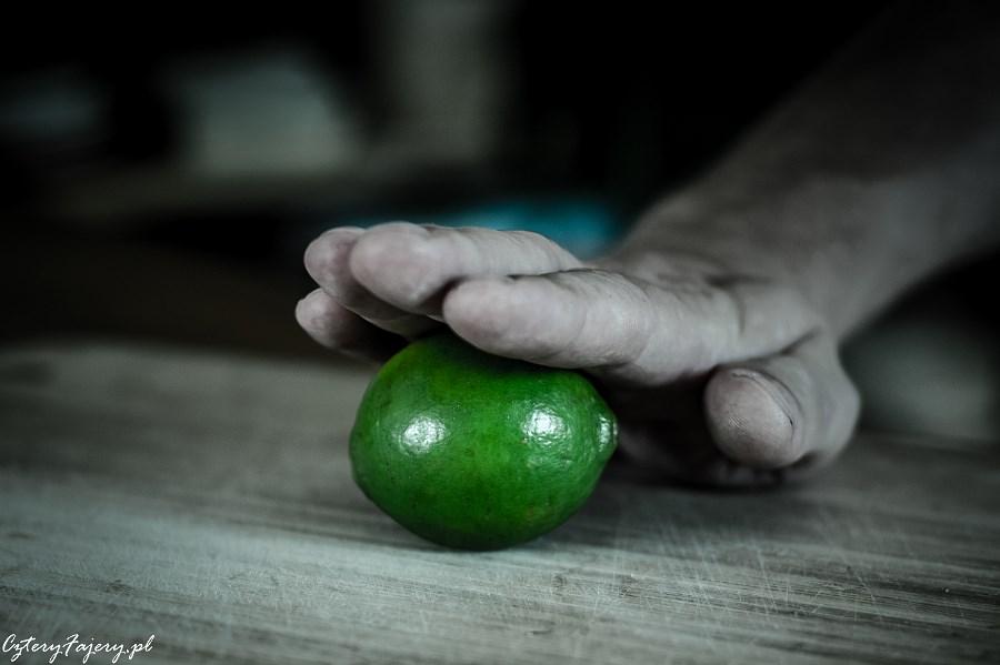 Jak-kroic-i-wycisnac-sok-z-limonki