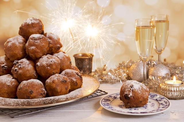 de nederlandse oudejaarsavond met oliebollen een traditioneel gebakje