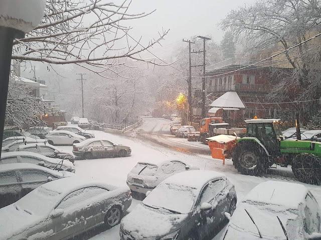 Η χιονισμένη Δίρφυ (φωτογραφίες-video)  25CE 25A3 25CE 25A4 25CE 2595 25CE 259D 25CE 2597 4