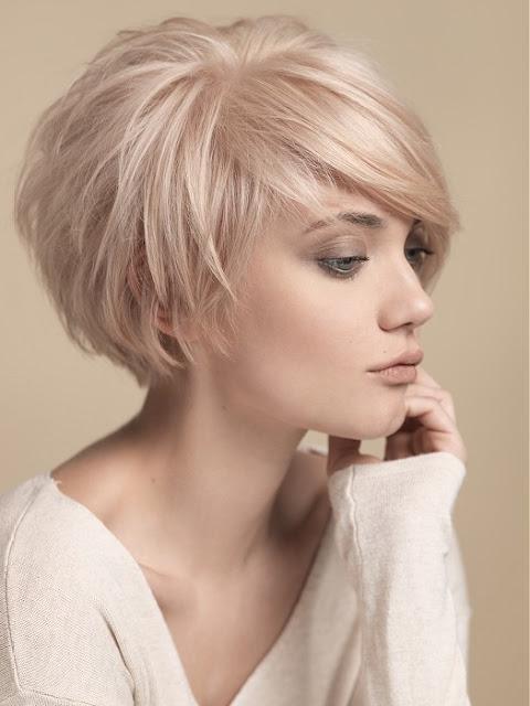 Cabelo curto está super na moda e cada vez mais as famosas estão aderindo a nova tendencia. Pois além de práticos, são lindos. Separei 5 opções incríveis de cortes de cabelo curto que estão bombando entre as famosas.