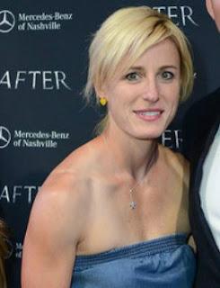 Matt Hasselbeck's wife Sarah Egnaczyk
