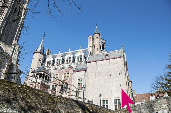 La ventana mas pequeña del mundo en Brujas en Belgica