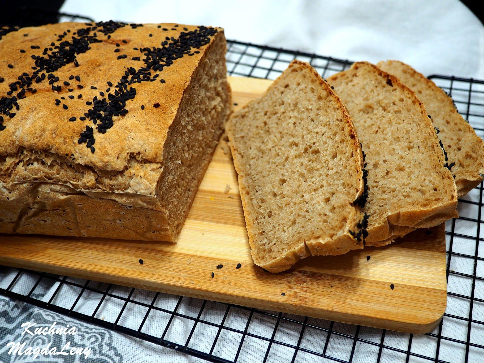 Chleb pszenny na wodzie z kiszonych ogórków