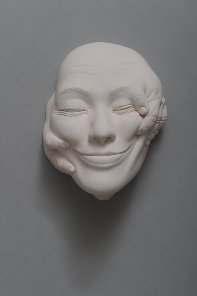 11-Johnson-Tsang-Ceramic-and-Porcelain-Faces-with-Multiple-Expressions-www-designstack-co