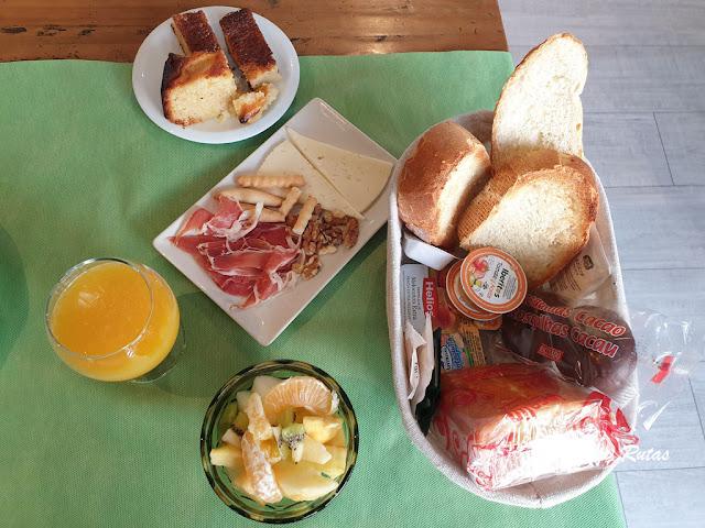 Desayuno de La Fuentona de Santillana