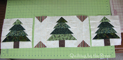 Christmas Tree Table Runner l conniekresin.com
