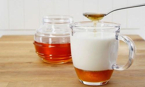 Cách dùng Mật ong + sữa tươi không đường = Tăng cân