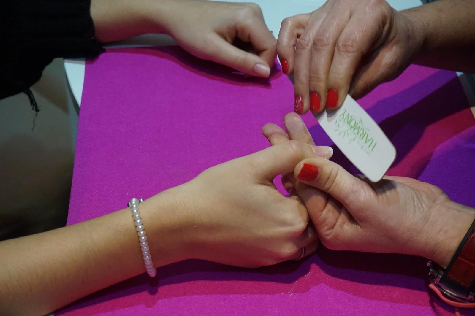 esmaltado permanente manicura