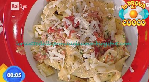 Tagliatelle con pesto siciliano di pomodoro e capperi ricetta Marretti da Prova del Cuoco
