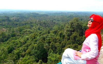 4 Cara Afdol Menikmati Pesona Batu Dinding Borneo