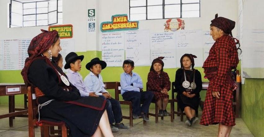 PENSIÓN 65: Usuarios transmiten lenguas originarias a niños y jóvenes - www.pension65.gob.pe