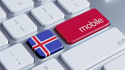 Teclado con la bandera de islandia y botón de compra de tarjeta SIM en Islandia